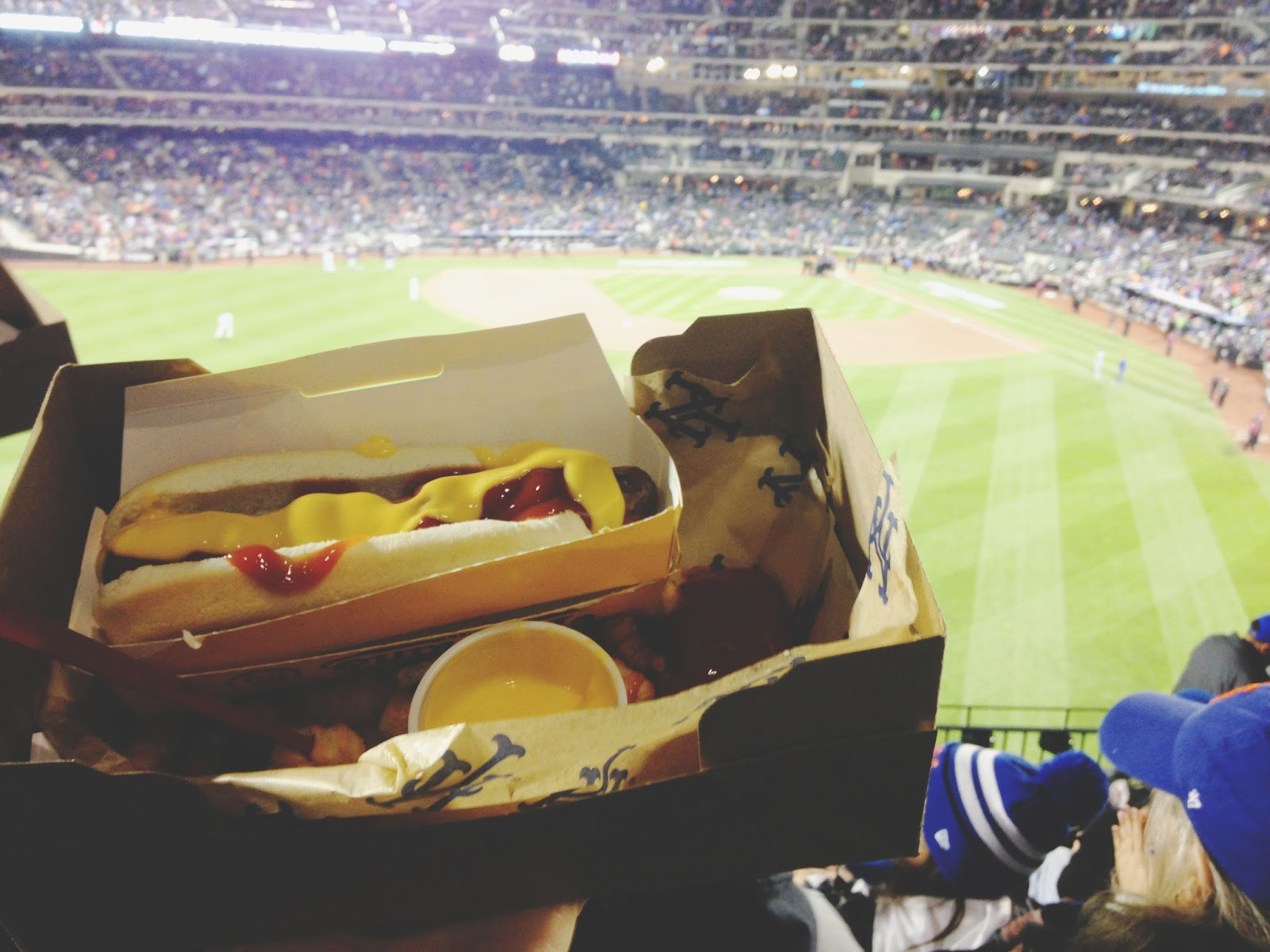 nyc travel mets world series food hot dog 16