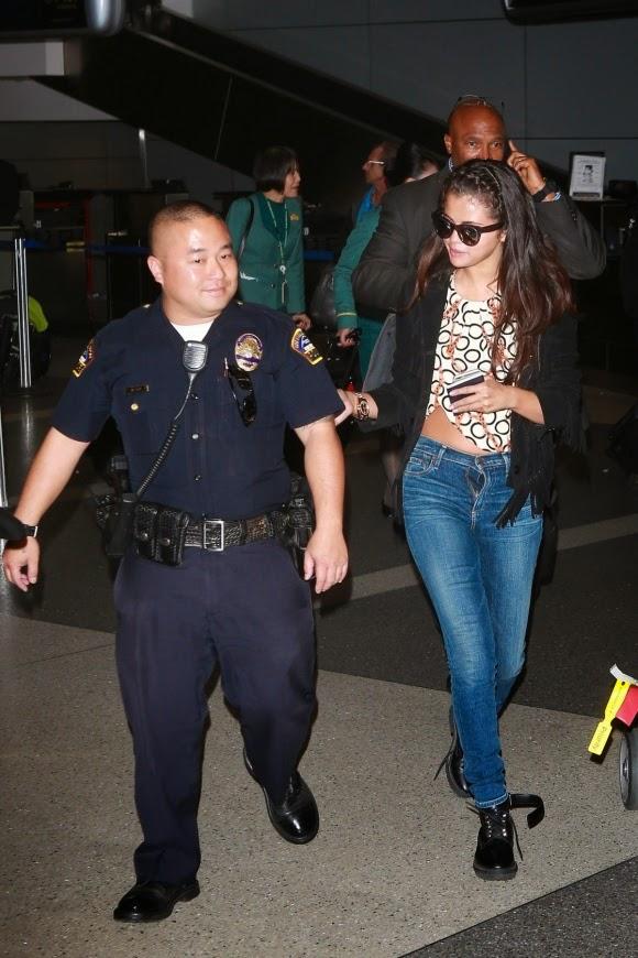 celebrity Street Style_Selena Gomez