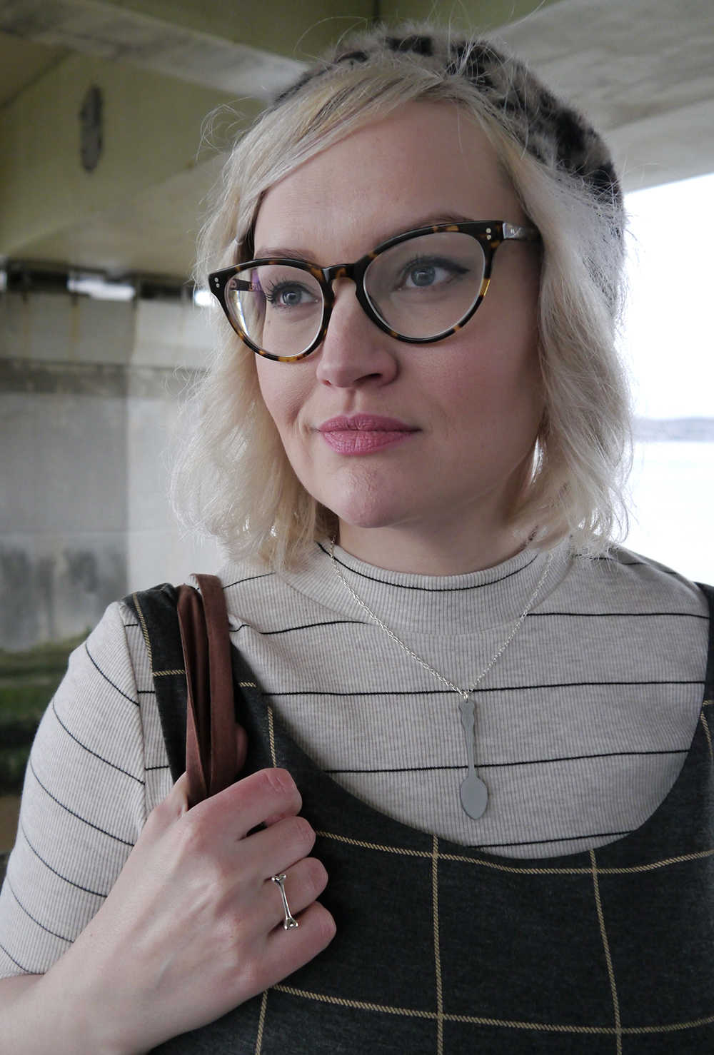 IOLLA Muir tortoise shell frames, leopard print beret, kawaii spoon necklace, layering checks, Scottish winter style, Scottish fashion blogger, Tay Bridge, Dundee style, what to wear in winter in Scotland, Kimberley Grahame, pretty girl with glasses