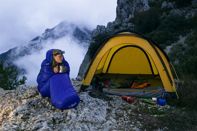 acampar en la montaña