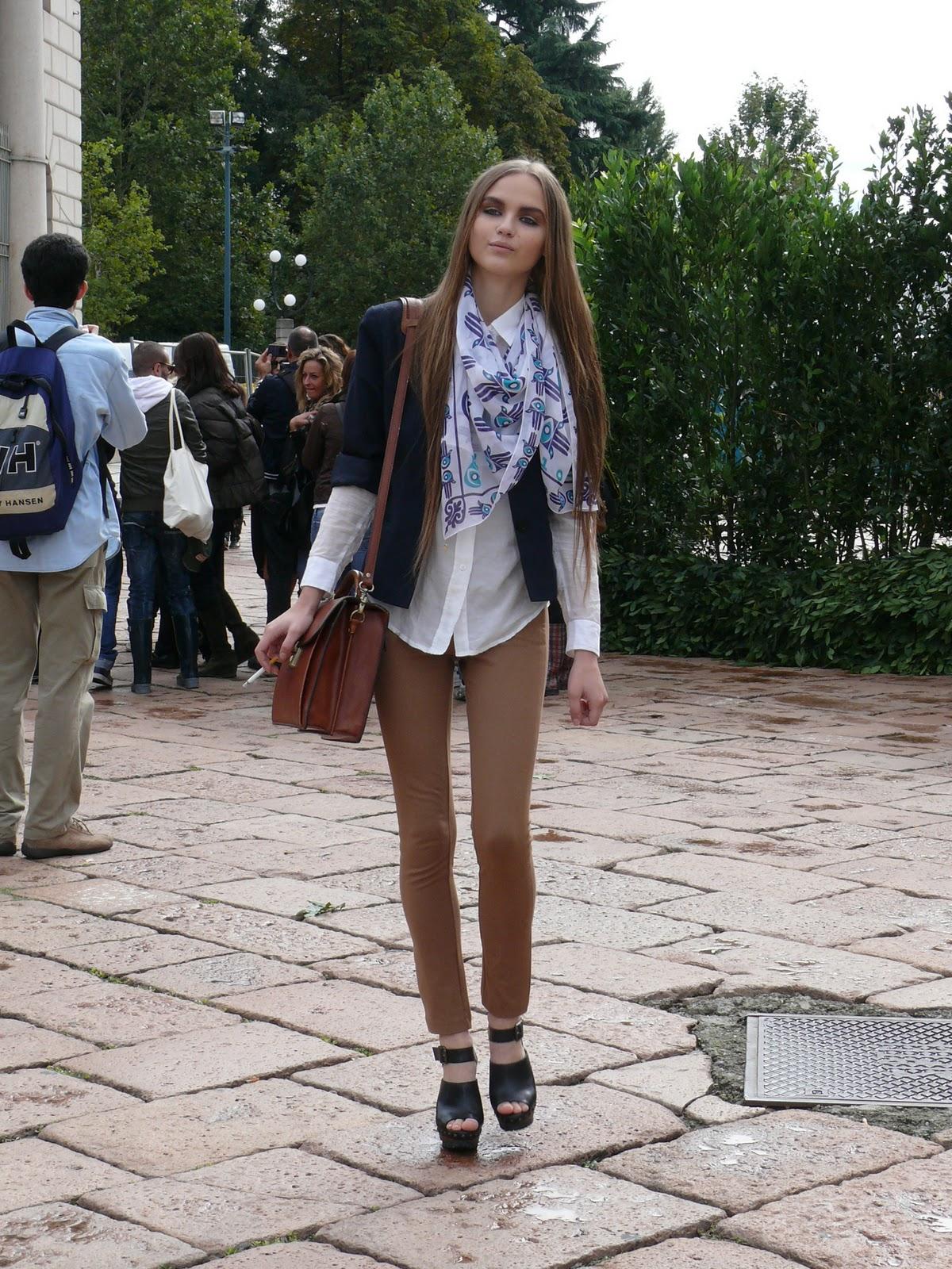 http://1.bp.blogspot.com/-tY7y_glH3Go/TWYcSF8UUHI/AAAAAAAAAD8/2UBIIdvXezU/s1600/P1060127.JPG