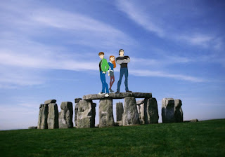 Ben Ten 10 Friends Gwen Kevin free wallpapers in Stonehenge background