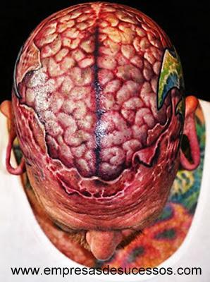 Você teria coragem de fazer uma tatuagem anatômica?