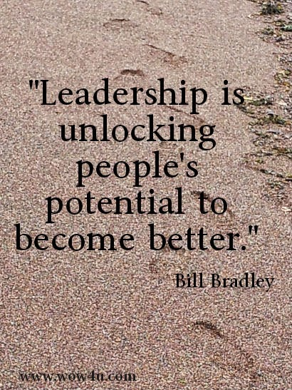 """""""Leadership is unlocking people's potential to become better."""" ~ Bill Bradley Picture of a beach. www.wow4u.com"""
