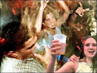reasons why teenagers drink alcohol essays Underage drinking, why do teens drink   (young people and alcohol,)  why drink there are several reasons why people start drinking first of all,.