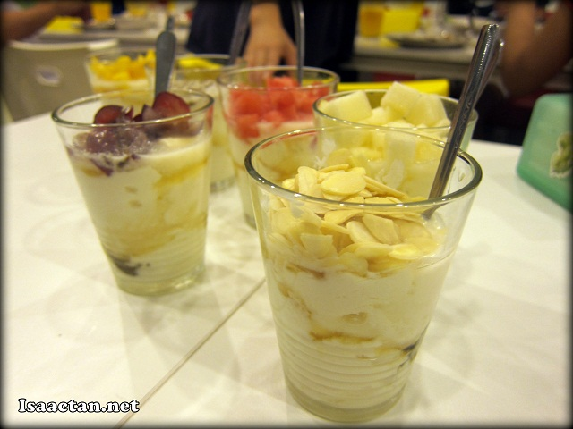 Homemade Yogurt with Honey + 1 Topping - RM4.50