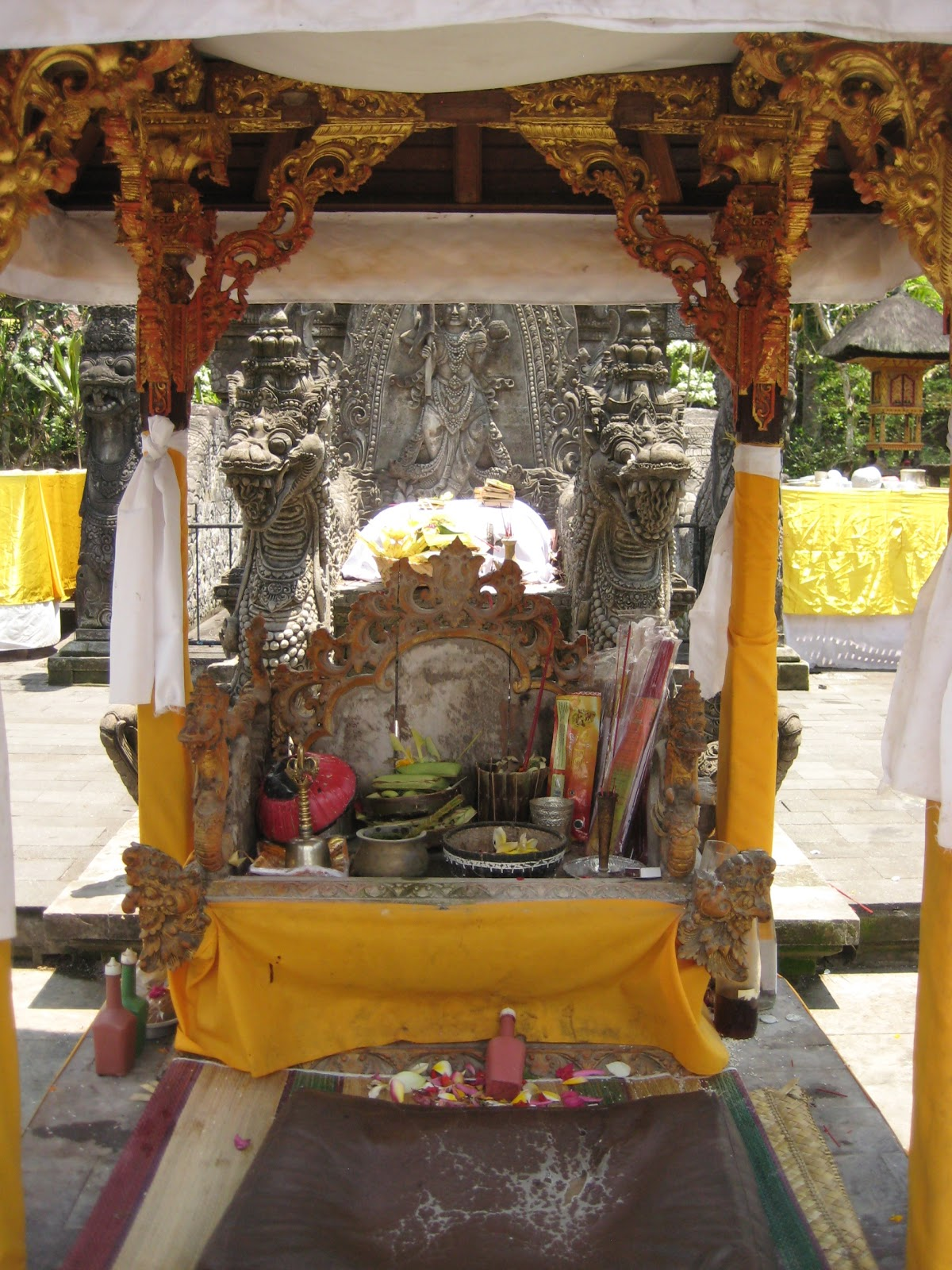 tempel sanur water