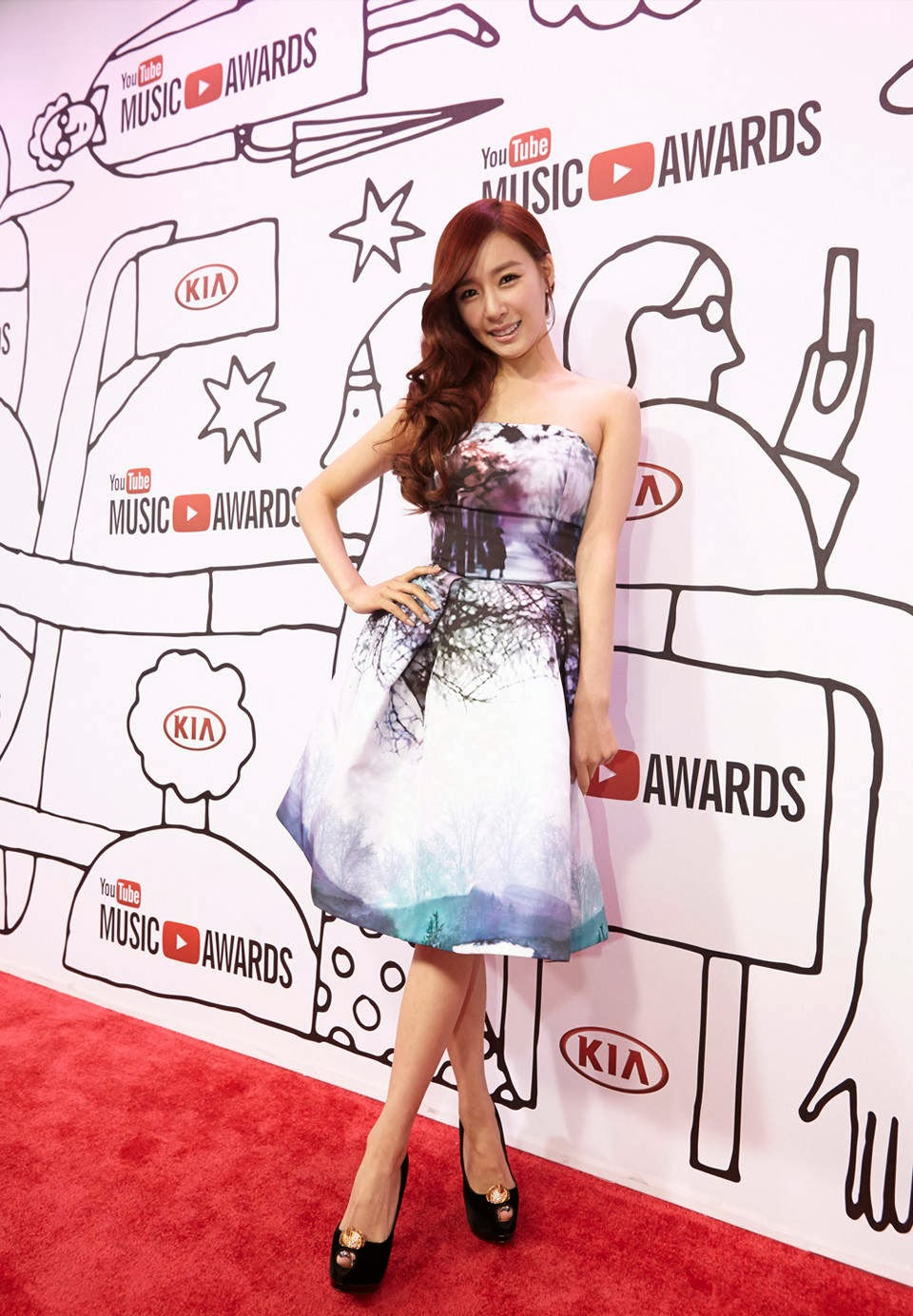 pictures 131104 snsd tiffany at 2013 youtube music awards girls 39 generation. Black Bedroom Furniture Sets. Home Design Ideas