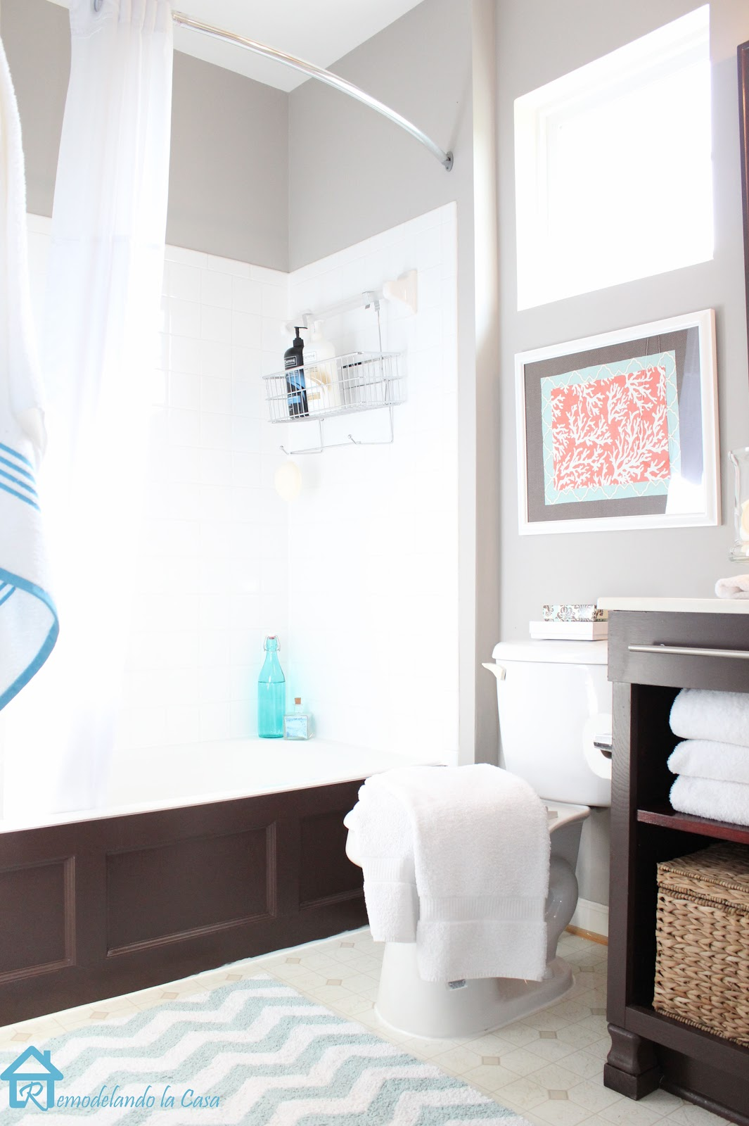 Remodelando la casa bathroom makeover for Small bathroom makeovers