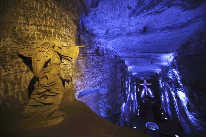 16 Underground Salt Cathedral, Zipaquiru00e1, Colombia - 17 Beautiful ...