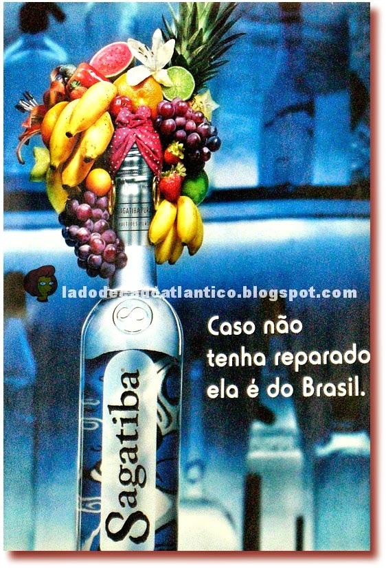 Imagem do cartaz de propaganda da aguardente Sagatiba com turbante típico da Carmem Miranda, fotografado num bar da marina de Lagos, Algarve, 2005