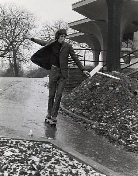 Pete skating