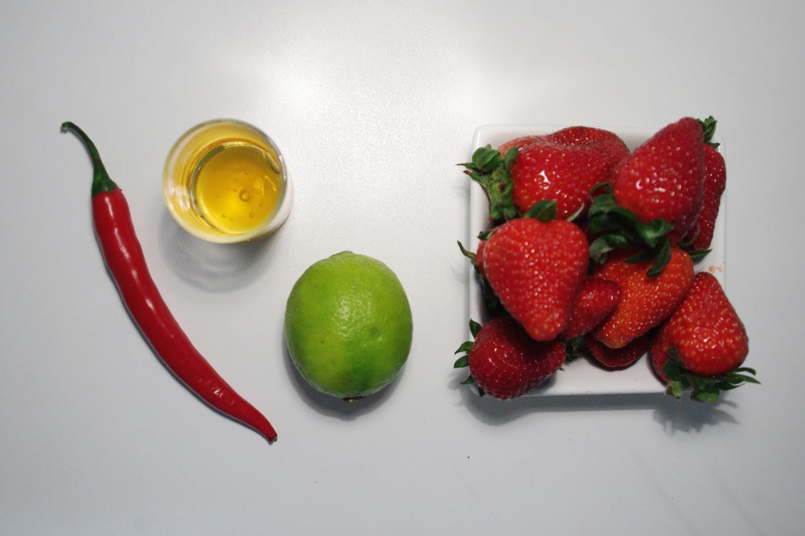 Explora gourmet zumo de fresas con chile - Como hacer zumo de fresa ...