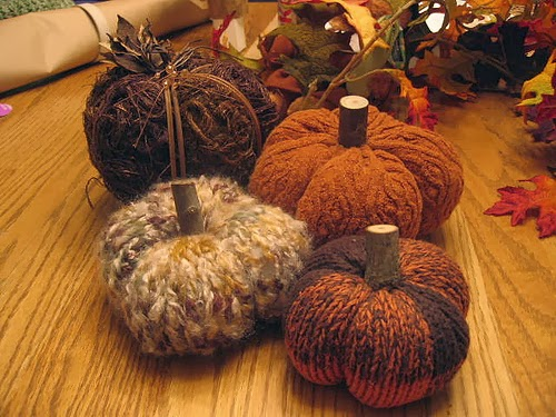 Knitted Pumpkin Pattern : The Knitting Needle and the Damage Done: A Cornucopia of Thanksgiving Patterns