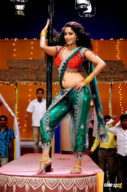 Suman Ranganathan item song hot photos