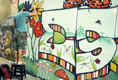Graffitero en San Telmo