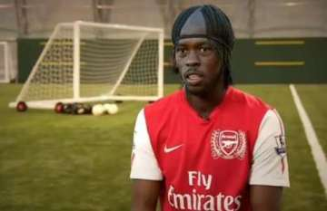 Arsenal signs a player!!!