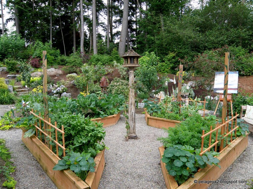 Всё в саду сделано ими самими