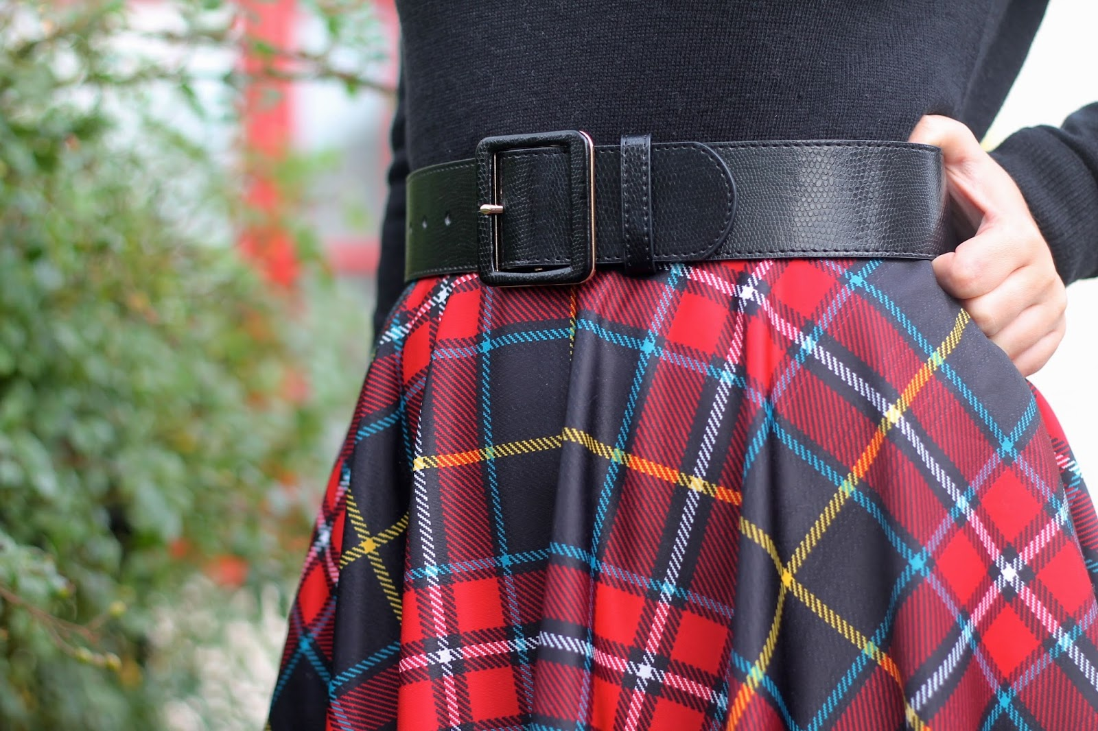Plaid full skirt with waist belt