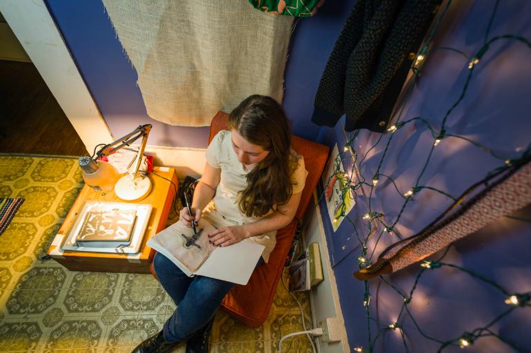 Artist Alli Crawford