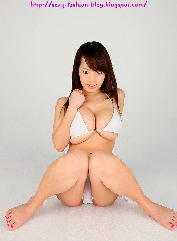 Hitomi Tanaka in White Bikini