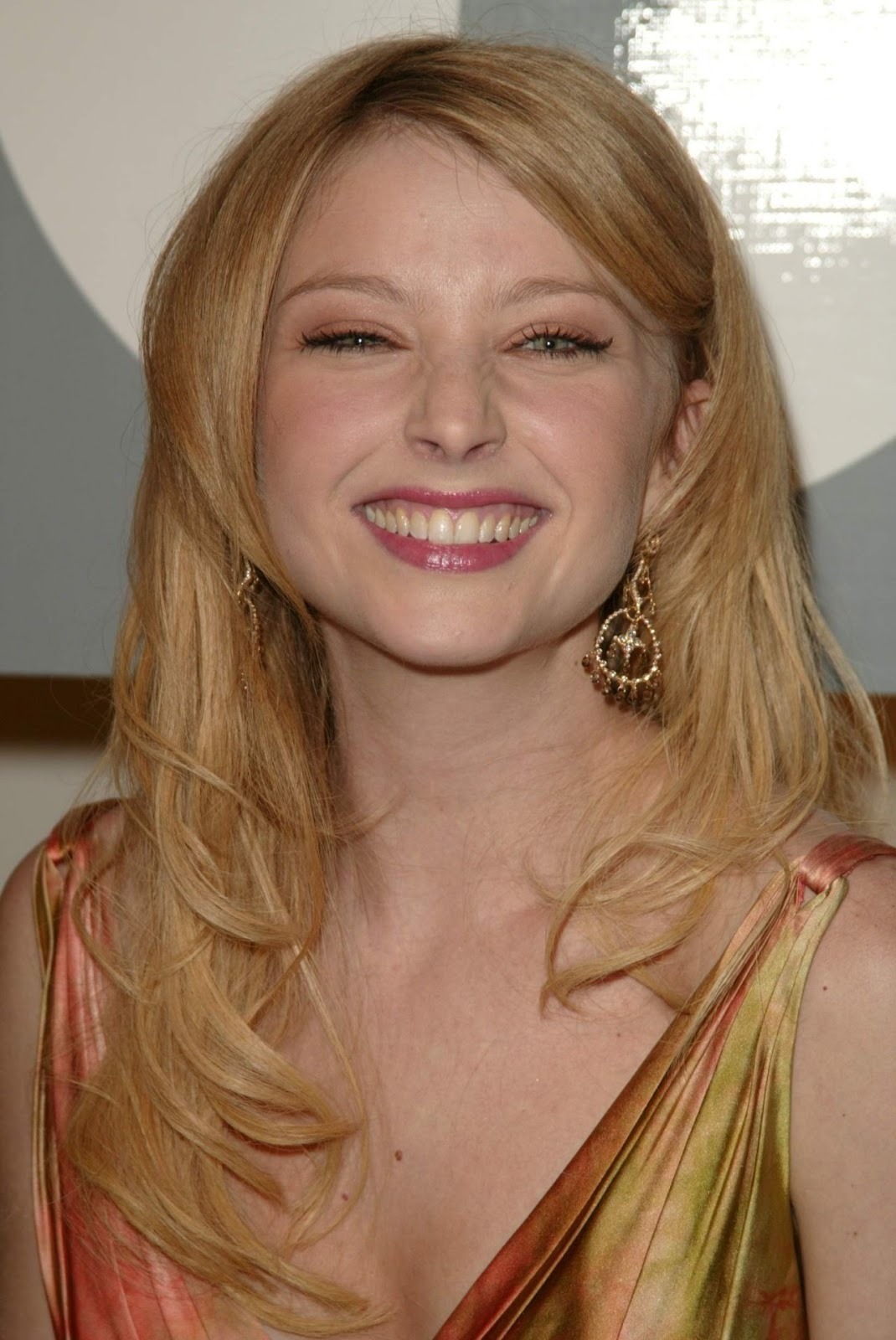 crush of the day elisabeth harnois hot beauty of csi. Black Bedroom Furniture Sets. Home Design Ideas