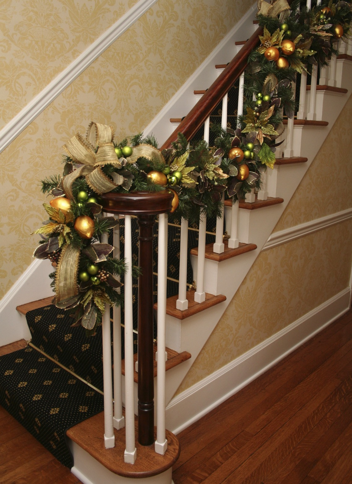 Decorating banisters for christmas with ribbon - A Christmas Twist