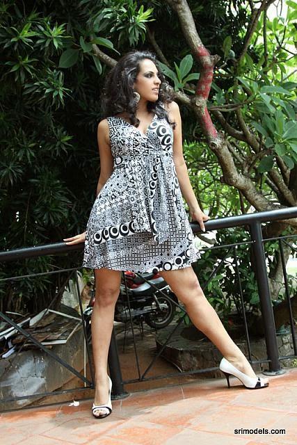 Stephanie Siriwardhana kakul