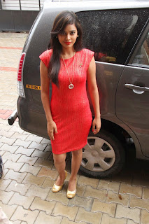 Nandita Latest Pictures in Short Dress at Micromini Smartphone Launch ~ Celebs Next