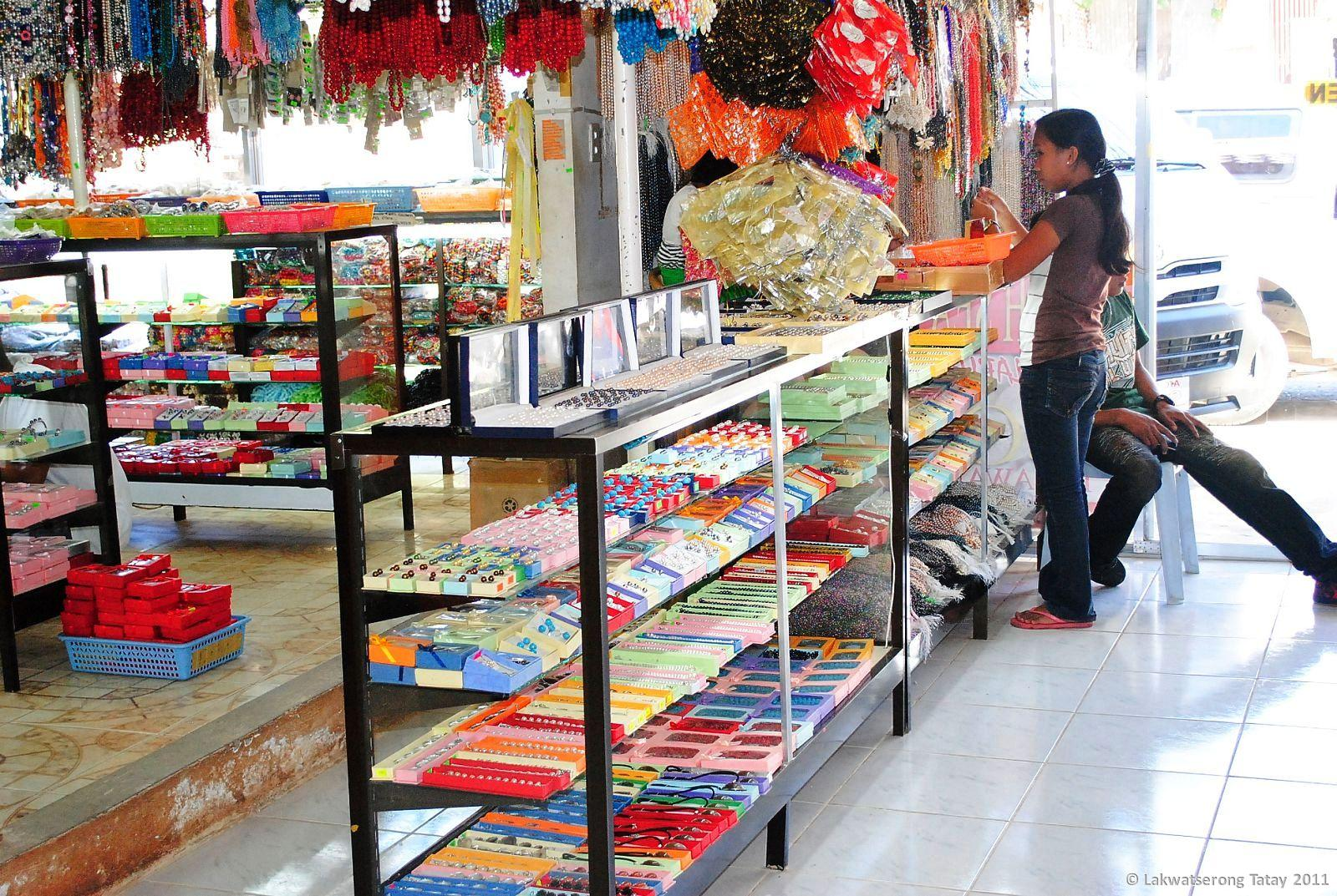meet the xplorers souvenir shop tiangge tiangge of palawan