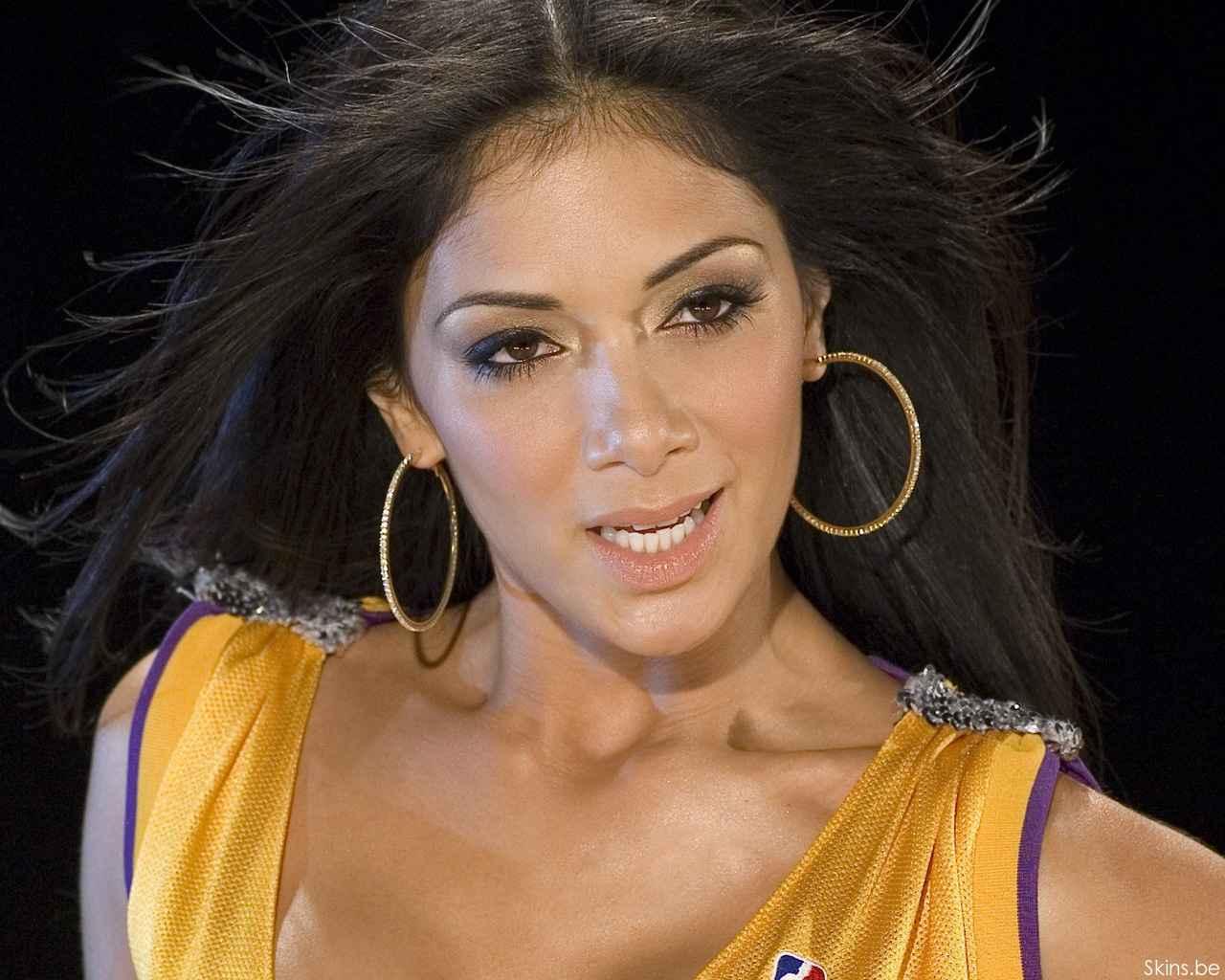 http://1.bp.blogspot.com/-taI1UCYGpdA/Ti7fBFEkCwI/AAAAAAAAKPg/oBlra_p4dMU/s1600/Nicole+-Scherzinger+-11.jpg