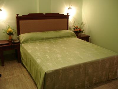 HOTEL OLYMPUS PLAZA