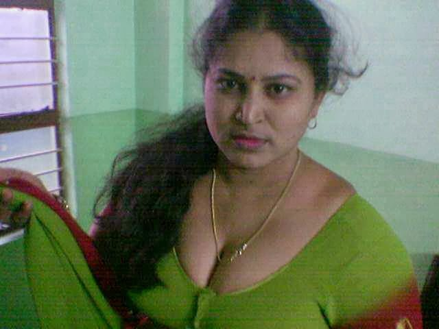 Aunty Photos WithOut Saree