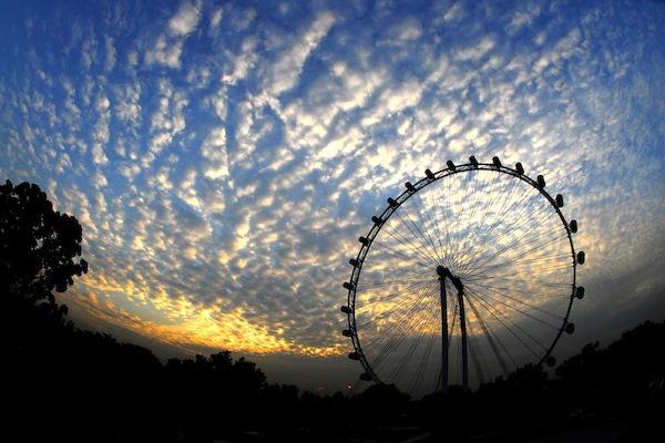 """La ruotapanoramica piu' grande del mondo. Il """"Flyer"""" di Singapore"""