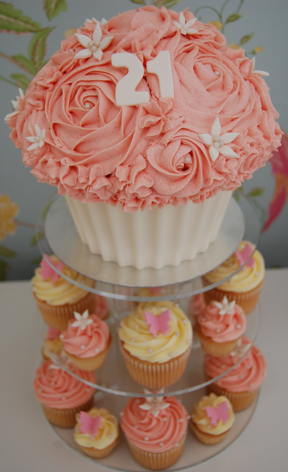 Little Paper Cakes Pink And Cream Giant Cupcake Cupcakes