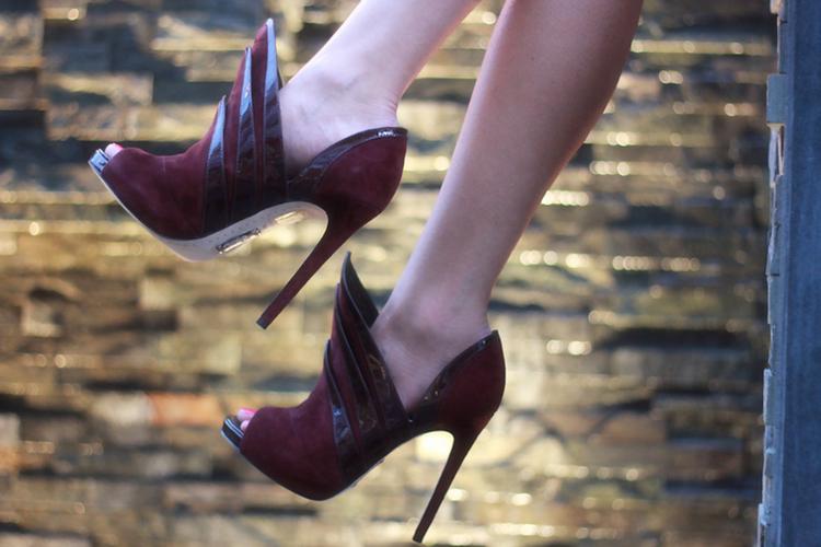 alejandro ingelmo origami booties peeptoe heels burgundy inspired by Sydney opera house