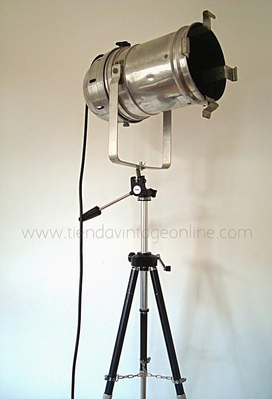 Lámparas de pie artesanales estilo industrial. Focos online, tienda valencia