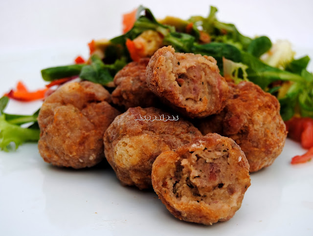 Albóndigas de carne picada, salchichas y salami Italianas Mondeghili