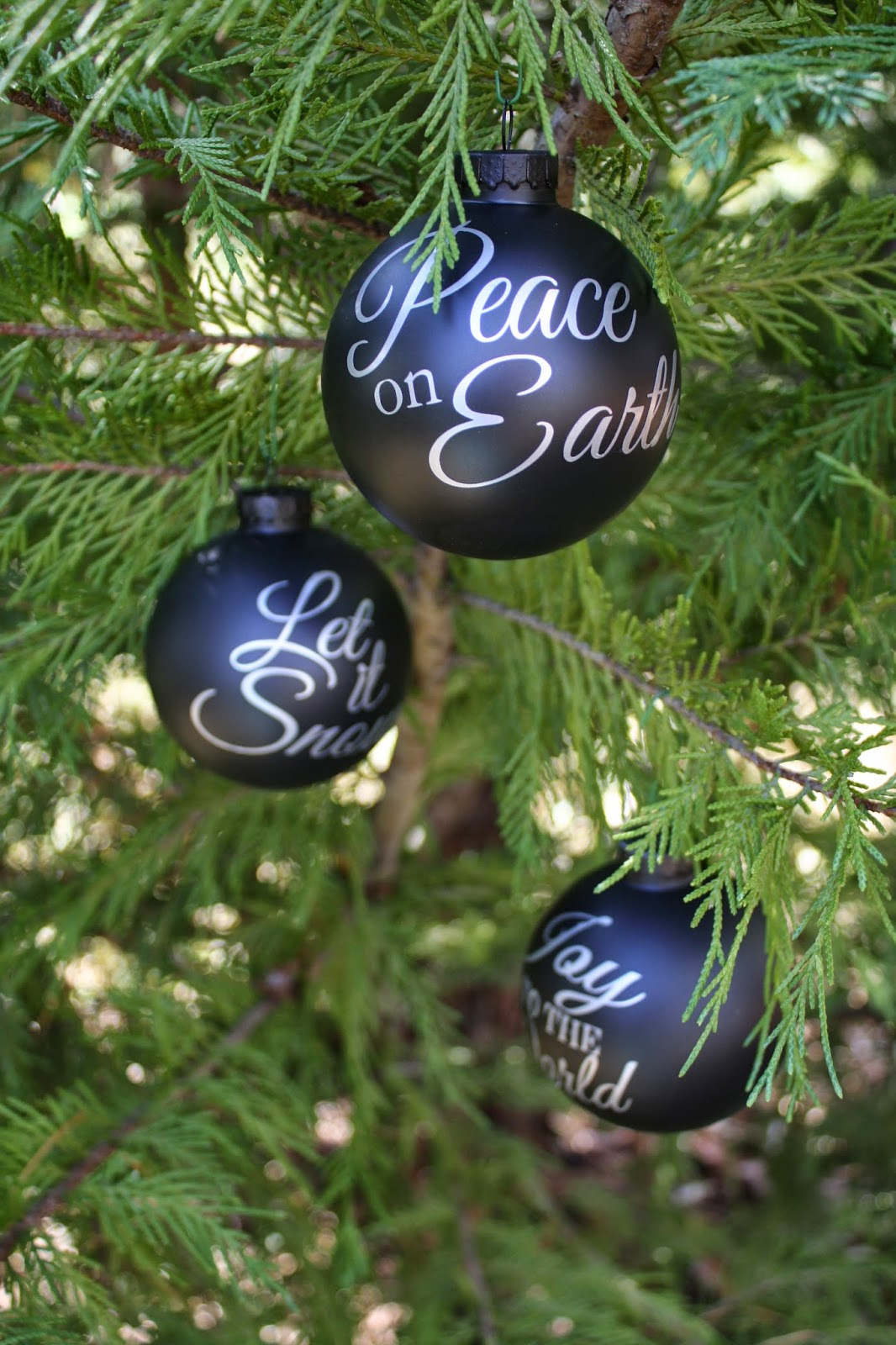 DIY Pottery Barn Ornaments ~ Free Silhouette File | Pinafores & Pinwheels