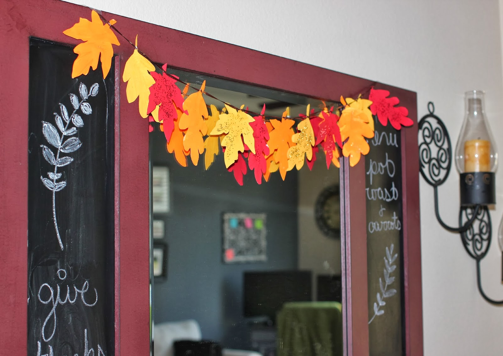 Diy thanksgiving decor leaves garland and a hand sewn