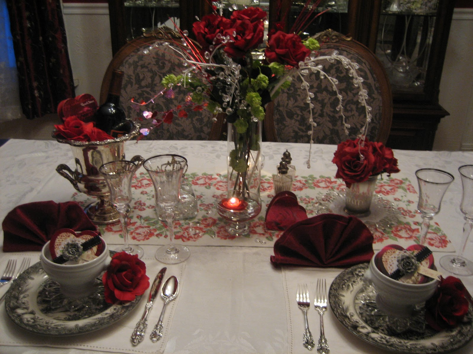How to set a romantic dinner table for two -  Set The Table For Two My Dining Room Table Is Dressed In A Romantic Dinner