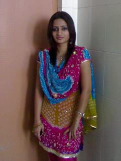roberto bruce latest desi girls wallpapers download for free