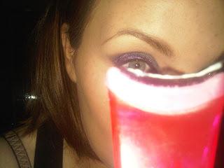 eyelash applicator to apply false eyelashes