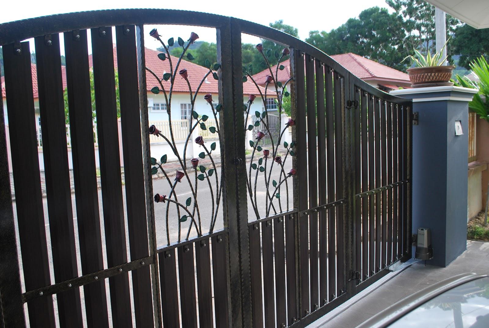 Minggu ni..alhamdulillah 'porch rumah' dan pintu pagar dah berubah ...