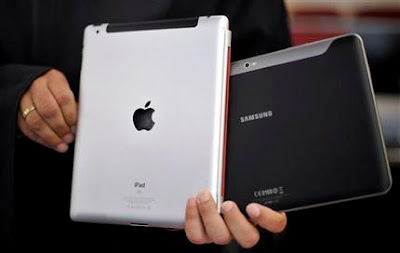 Apple iPad and a Samsung Galaxy Tab 10.1