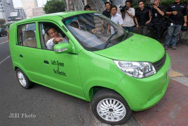 Mobil Listrik Karya Ir Dasep Ahmadi MSc