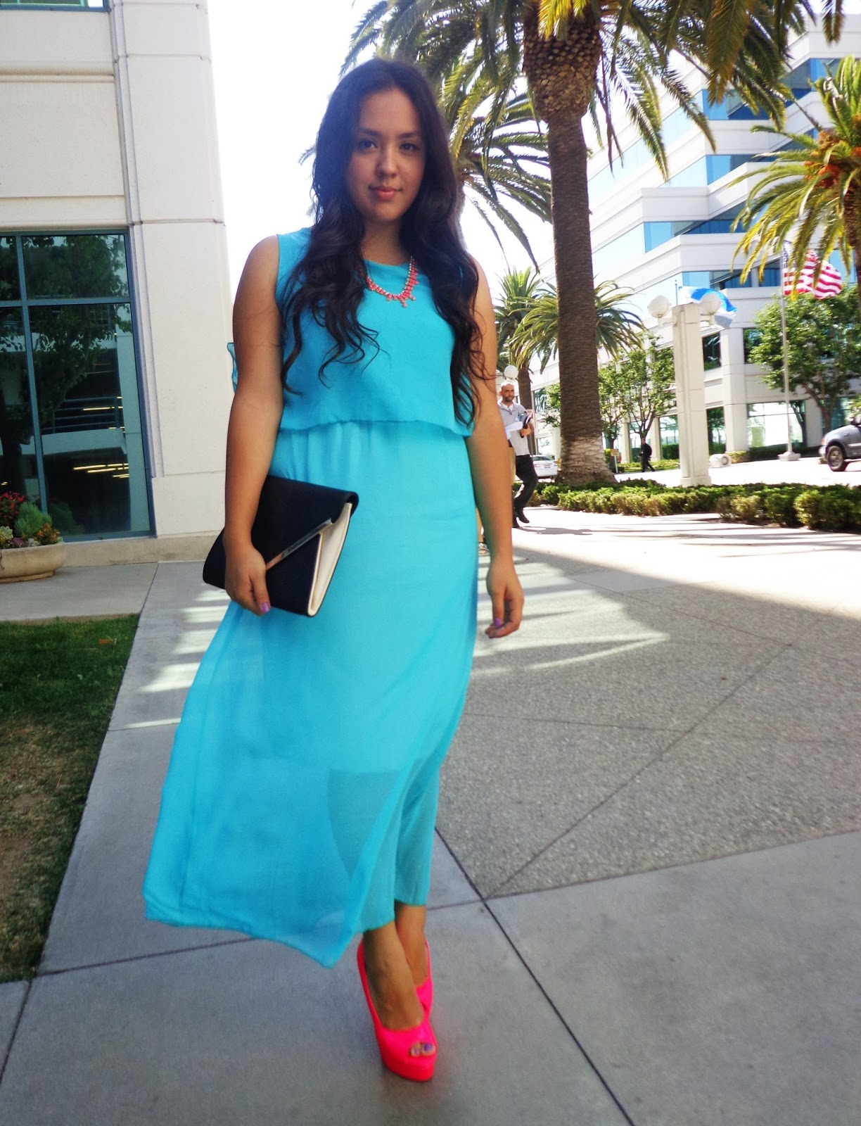 Blue dress and shoes 01