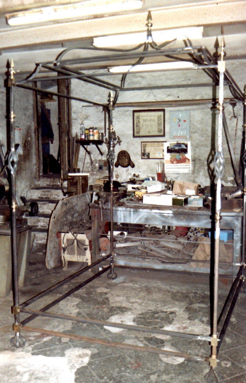Ditta brogani maurizio lavori in ferro battuto e restauri in ferro ottone ghisa e alpacca - Divano ferro battuto antico ...