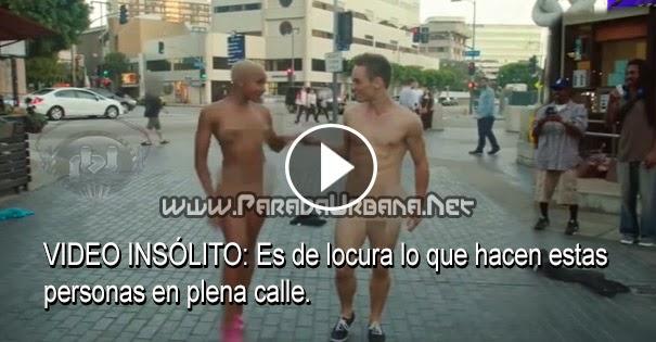 VIDEO INSÓLITO - Esto es de locura, Personas se desnudan para hacer algo increíble, en publico!