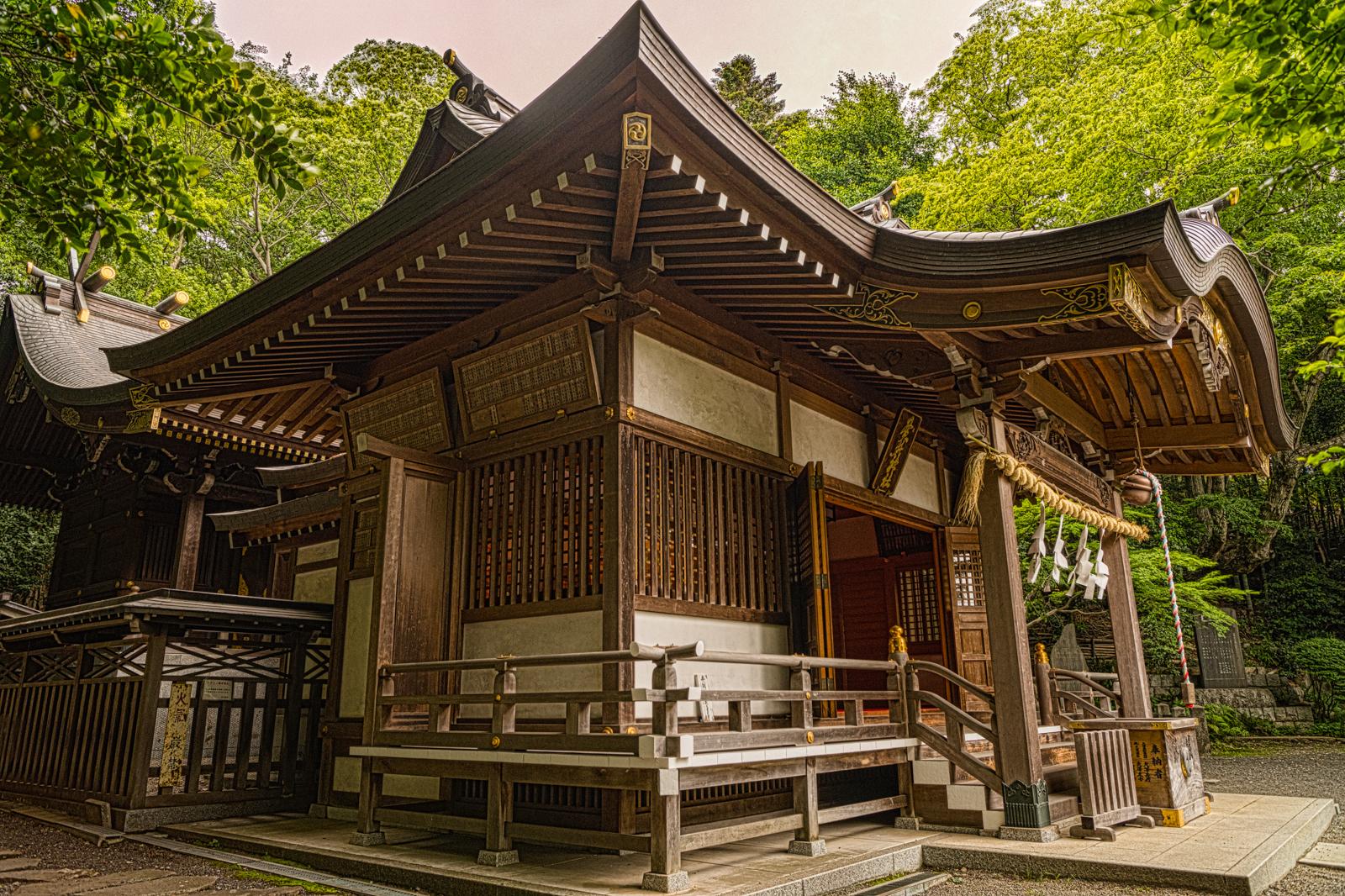 貫井神社本殿のHDR写真